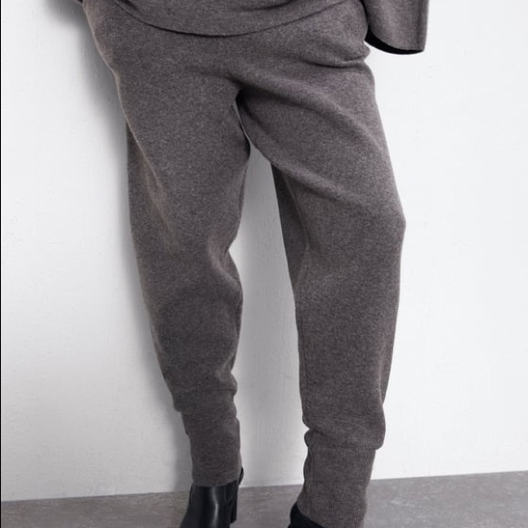 Knit Jogging trousers from Zara